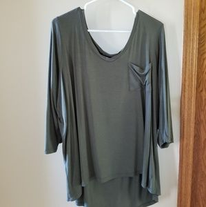 Cable and Guage hunter green relaxed top, 1X
